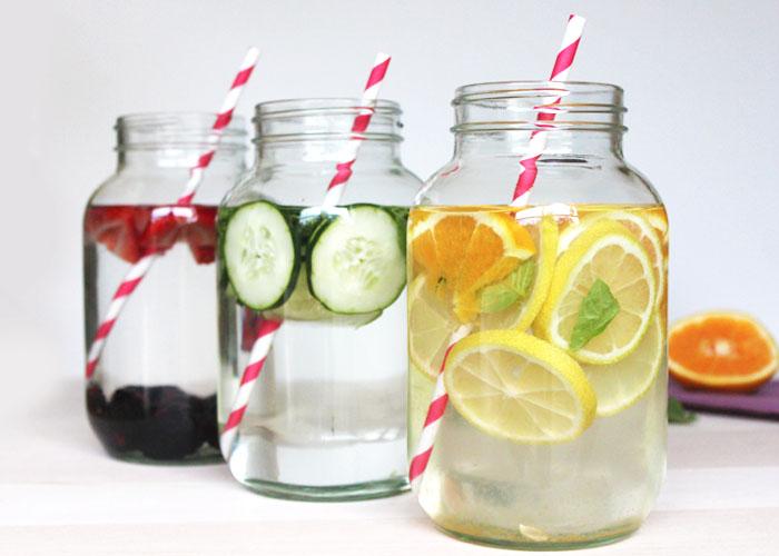 Idee per l'acqua aromatizzata: se bere fa bene alla salute, l'acqua aromatizzata fa bene allo spirito